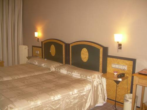 Habitación familiar  del hotel Macia Condor. Foto 3