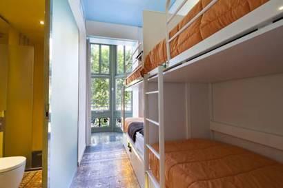 Habitación cuadruple  del hotel Urbany Bcngo. Foto 1