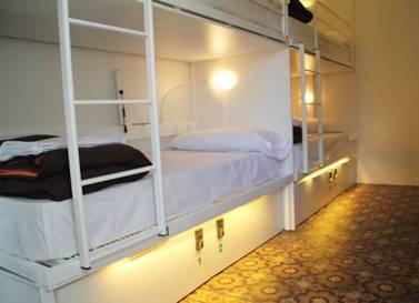 Habitación triple  del hotel Urbany Bcngo