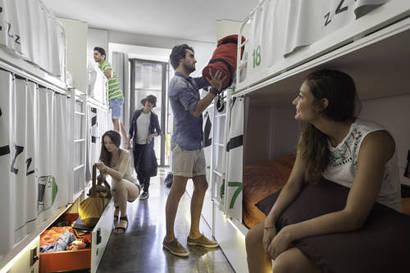 Habitación mixta desde 4 camas a 8 camas del hotel Urbany Bcngo. Foto 1