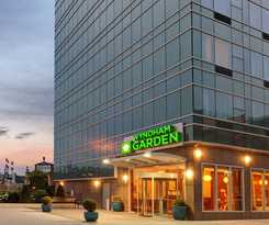 Hotel Wyndham Garden Long Island City Manhattan View