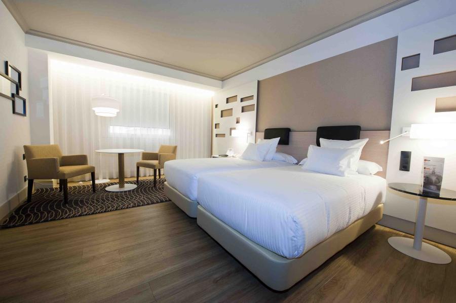 Habitación doble Premium dos camas separadas del hotel Madrid Marriott Auditorium
