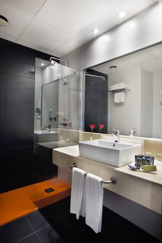 Habitación doble dos camas separadas del hotel Weare Chamartin. Foto 2