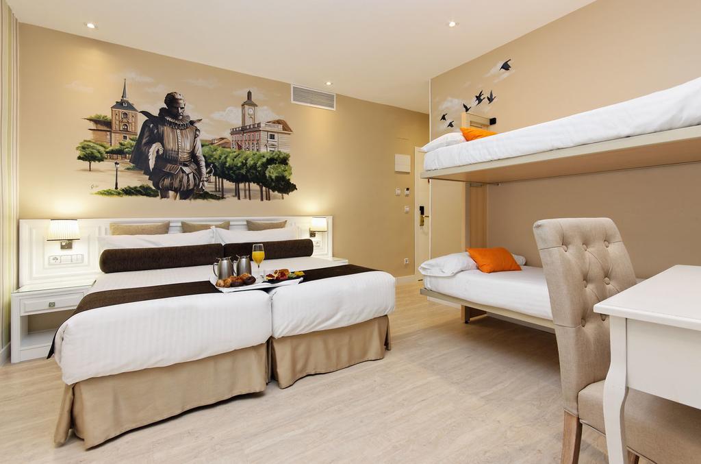 Habitación cuadruple Cama Litera Temática del hotel Mayorazgo. Foto 3