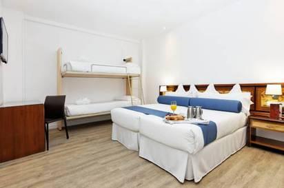 Habitación cuadruple Cama Litera del hotel Mayorazgo