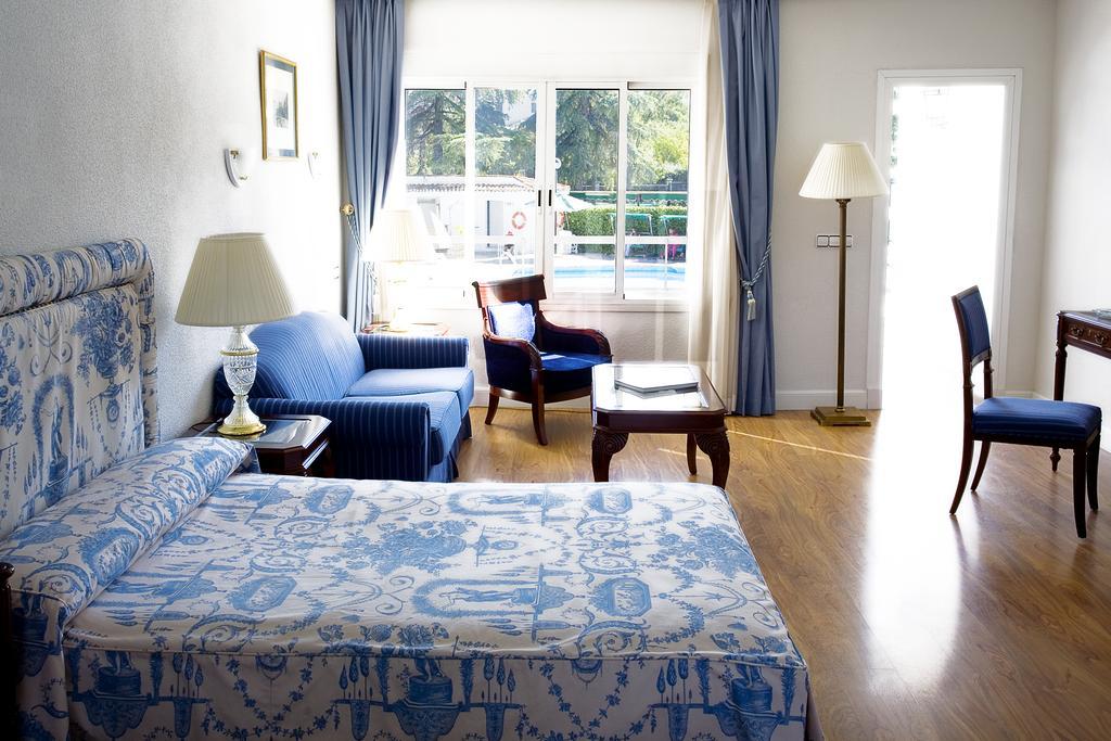 Habitación doble Lujo del hotel Osuna. Foto 2