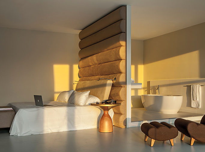 Suite King del hotel Room Mate Aitana. Foto 2