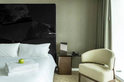 Habitación doble  del hotel Room Mate Aitana. Foto 2