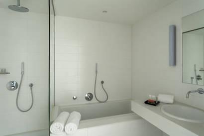 Habitación Estándar con Vistas del hotel Room Mate Aitana. Foto 1