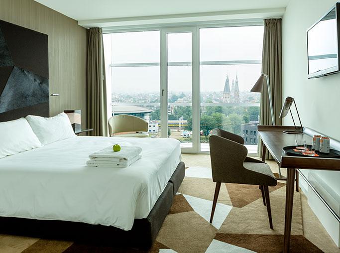 Habitación Estándar con Vistas del hotel Room Mate Aitana. Foto 3
