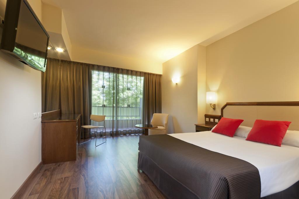 Doble cama king size del hotel Senator Barajas