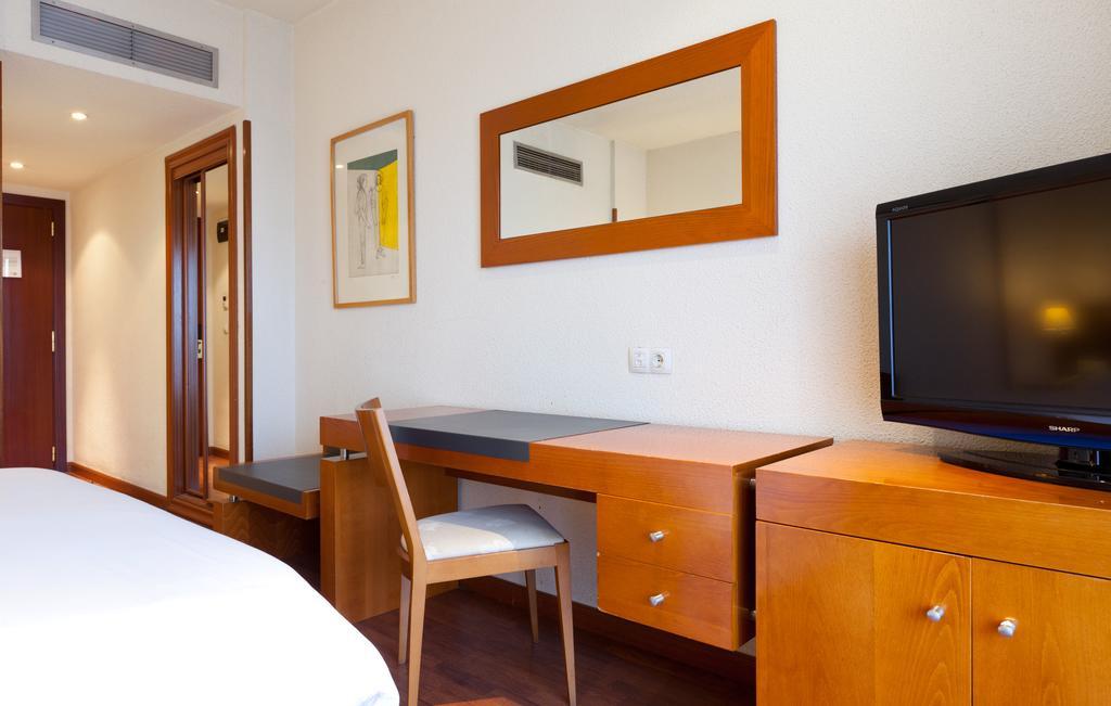 Habitación doble dos camas separadas del hotel Senator Barajas. Foto 2