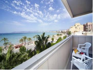 Habitación doble dos camas separadas del hotel whala!Beach