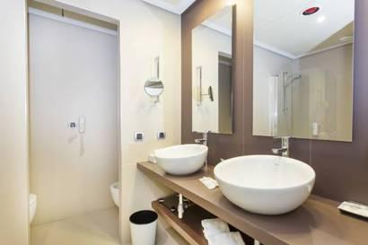 Habitación doble Lujo Vista Lateral Mar del hotel Be Live Collection Palace de Muro. Foto 2