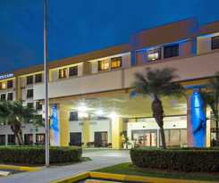 Hotel Holiday Inn Express and  Suites Miami-hialeah