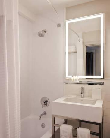 Habitación doble Lujo 2 Camas de Matrimonio Vista ciudad del hotel Row NYC. Foto 2