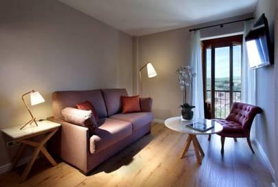Habitación triple  del hotel Exe Casa de Los Linajes