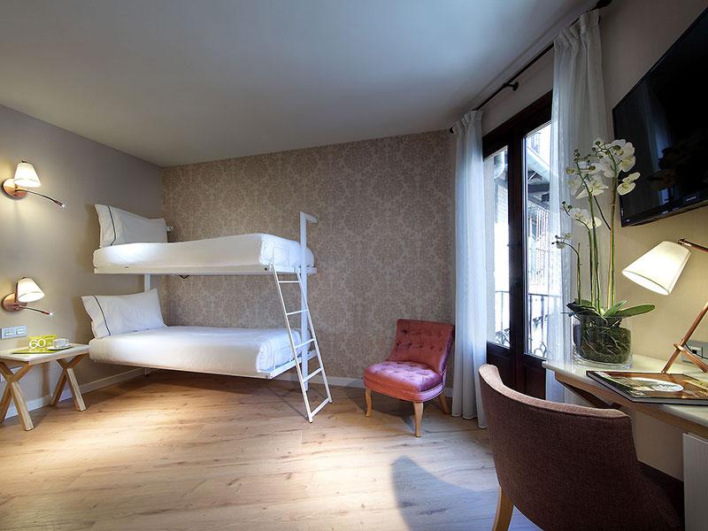 Habitación doble Cama Litera del hotel Exe Casa de Los Linajes