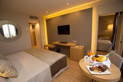 Habitación familiar  del hotel M.A. Sevilla Congresos