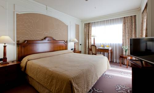 Habitación Doble Deluxe del hotel Sevilla Center