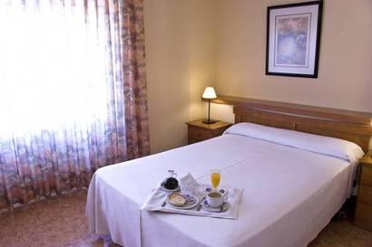 Estudio  del hotel Resitur. Foto 2