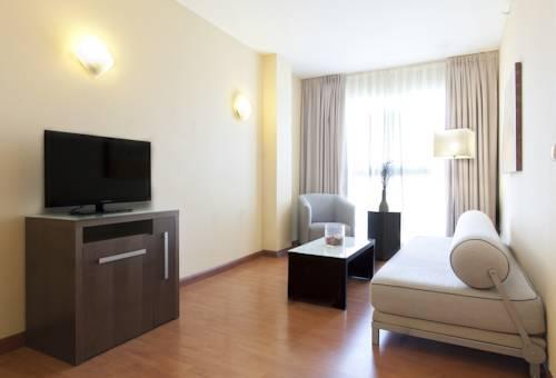 Suite Confort del hotel Vertice Sevilla. Foto 2