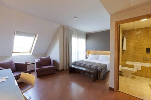Habitación doble Lujo con bañera de hidromasaje del hotel Vertice Sevilla. Foto 1