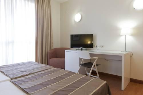 Habitación doble dos camas separadas del hotel Vertice Sevilla. Foto 2