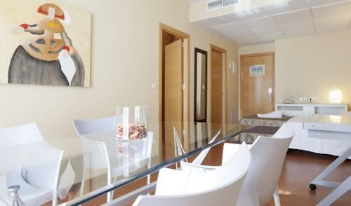 Habitación familiar  del hotel Vertice Sevilla. Foto 3
