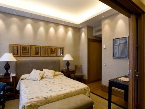 V&L Junior Suite Elite del hotel Silken Al-Andalus Palace. Foto 3