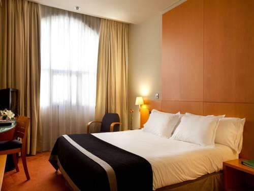 Habitación doble Vista Piscina del hotel Silken Al-Andalus Palace. Foto 3