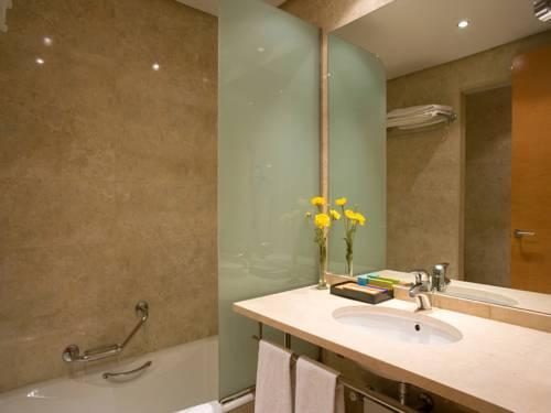 Confort Familiar del hotel Silken Al-Andalus Palace. Foto 1