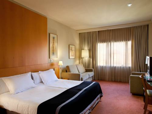 Confort Familiar del hotel Silken Al-Andalus Palace. Foto 2