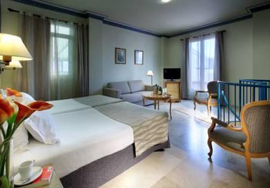 Habitación cuadruple Duplex del hotel Eurostars Regina. Foto 1