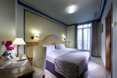Habitación doble  del hotel Eurostars Regina. Foto 1