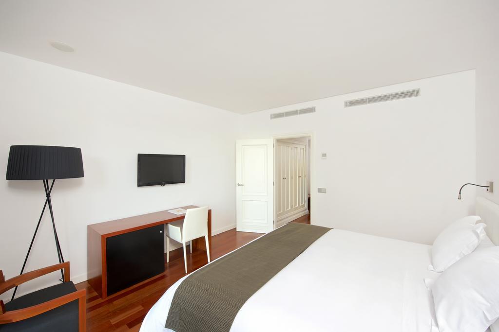 Habitación doble Superior del hotel Iberostar Grand Hotel Mencey. Foto 2