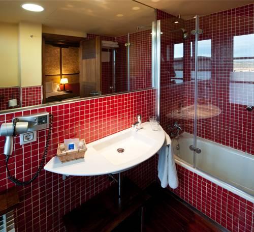 Habitación doble dos camas separadas del hotel Abad Toledo. Foto 1