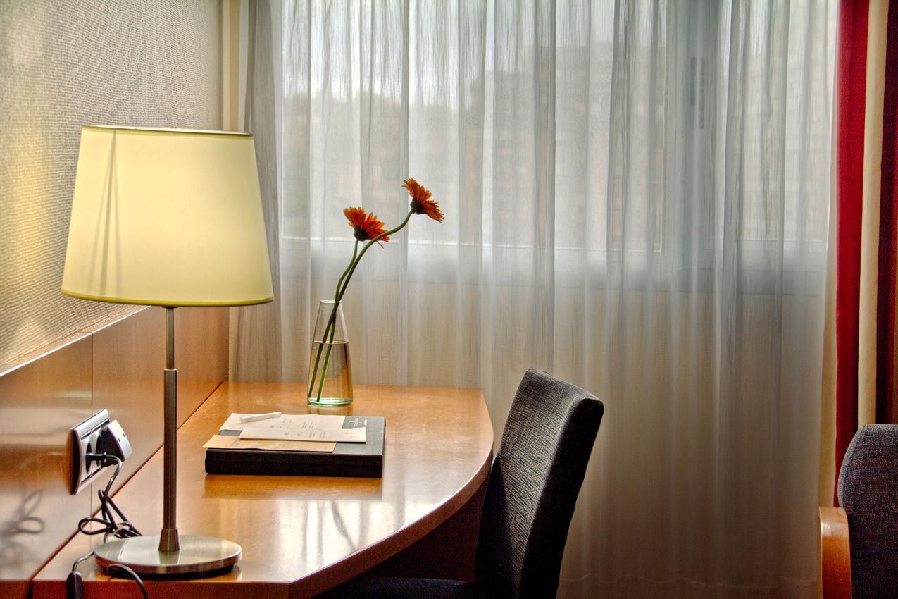 Habitación Silken Club dos camas separadas del hotel Silken Juan de Austria. Foto 1