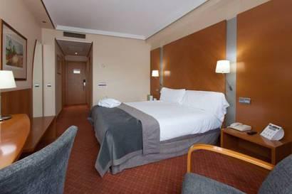 Habitación doble Confort del hotel Silken Juan de Austria. Foto 1