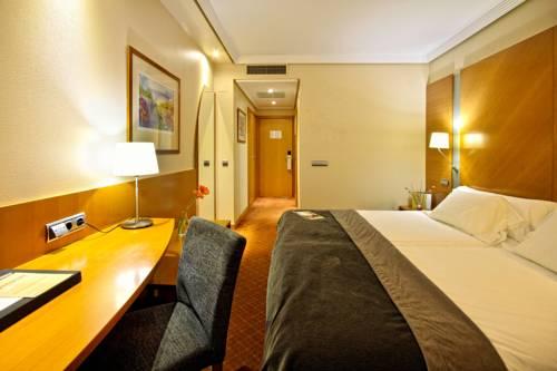 Habitación doble dos camas separadas Confort del hotel Silken Juan de Austria. Foto 1