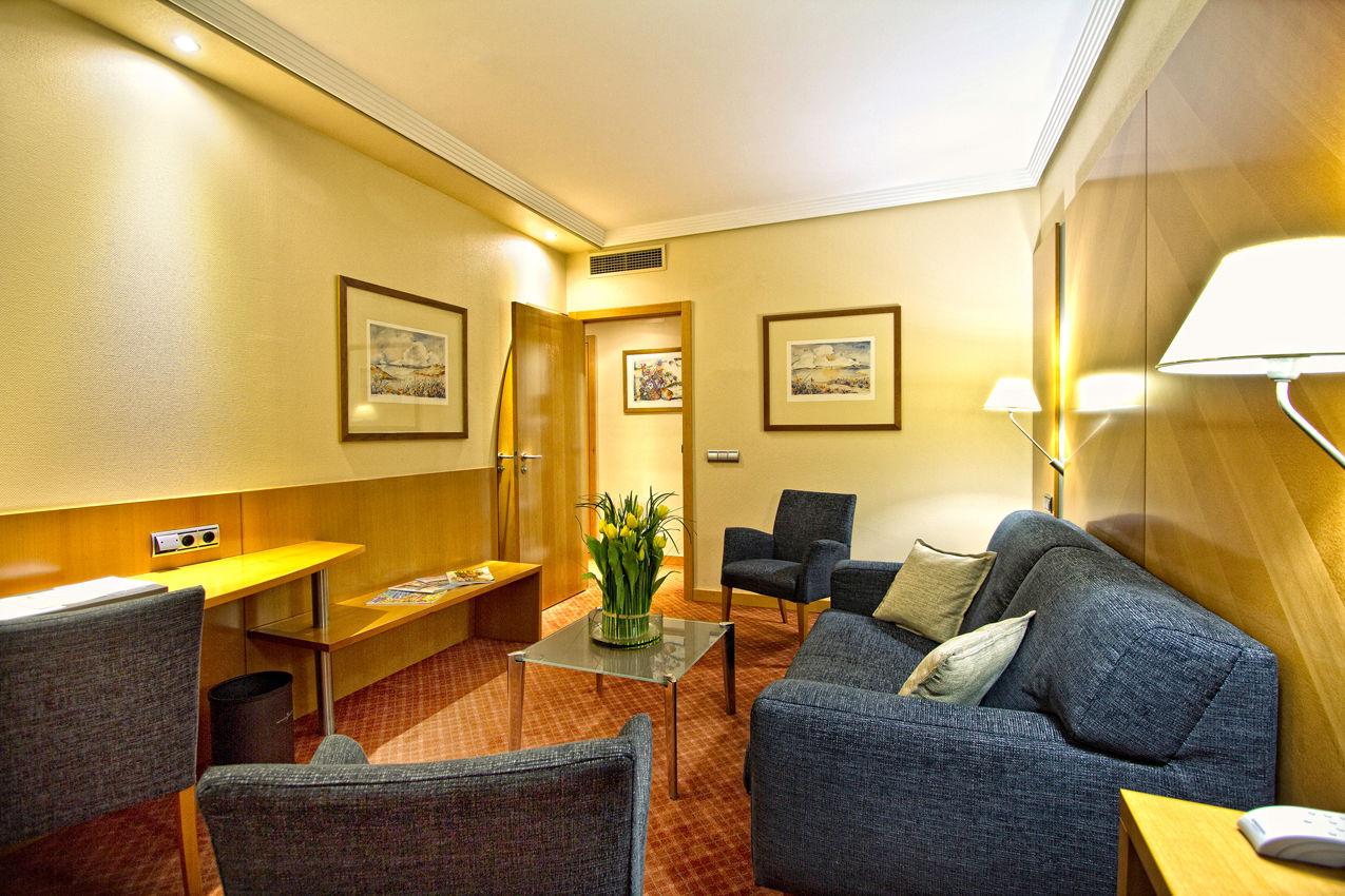 Junior suite  del hotel Silken Juan de Austria. Foto 1