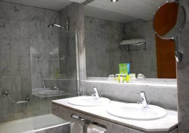 Habitación doble  del hotel Silken Indautxu. Foto 1