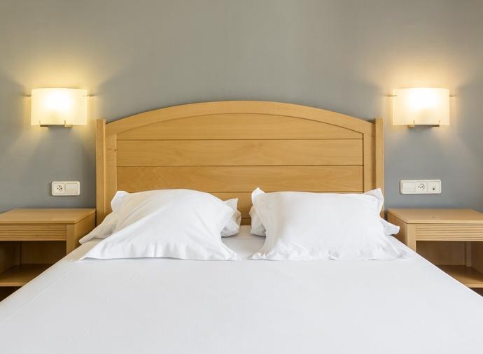 Suite  del hotel Ilunion Romareda. Foto 2
