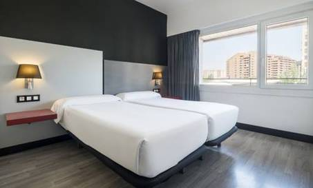 Doble Superior Premium del hotel Ilunion Romareda. Foto 1