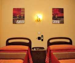 Hotel Hostal Ariz