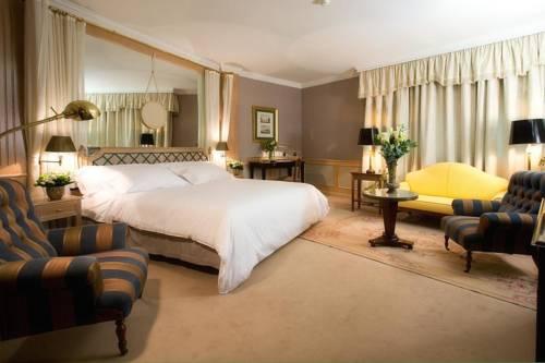 Suite  del hotel Palafox. Foto 2