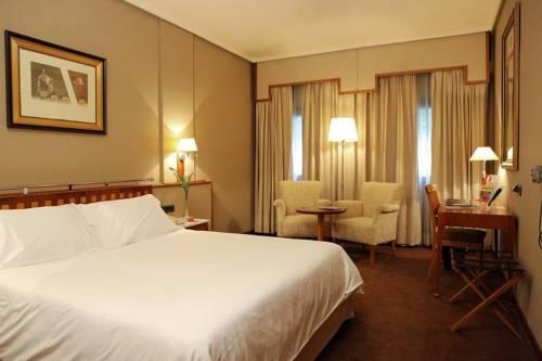 Habitación doble  del hotel Palafox. Foto 1
