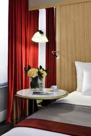Habitación doble Superior dos camas separadas del hotel L'echiquier Opéra Paris Mgallery Collection. Foto 1