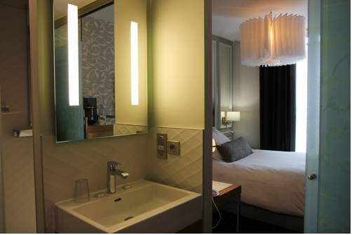Habitación individual  del hotel Best Western Premier Le Swann. Foto 1