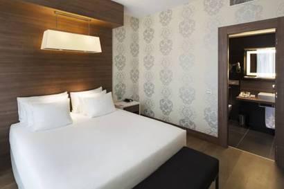 Habitación doble Premium del hotel NH Collection Milano President. Foto 2